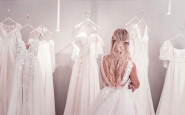 Choisir les tenues des mariés
